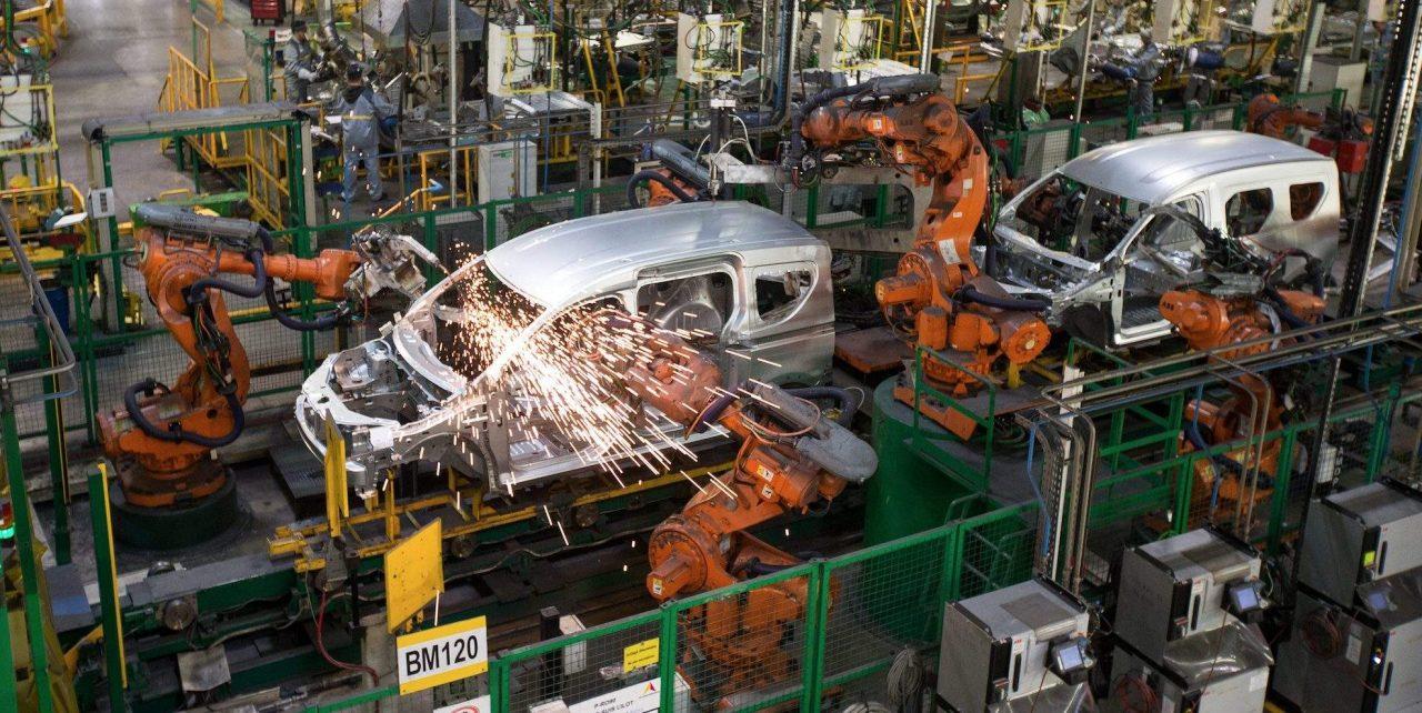 Usine-Renault-Industrie-Auto-Yassine-Toumi2-e1539948191890-1280x642.jpg